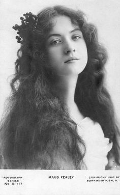 Vintage Postcards of actress Miss Maude Fealy Old Photography, Portrait Photography, Vintage Pictures, Vintage Images, Volume Art, 3 4 Face, Gibson Girl, Photocollage, Isabella Rossellini