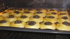 Najlepšie šľahačkové cesto na tie najchutnejšie moravské koláče podľa mojej babky z Valtíc: Vláčne a mäkučké ako obláčik! | Báječná vareška Oreo Cupcakes, Baking Cupcakes, Cupcake Cakes, Sour Cream Coffee Cake, Novelty Birthday Cakes, Czech Recipes, Dessert Recipes, Desserts, Something Sweet