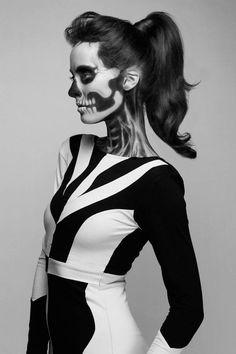 Black & White Mix ~ Skull Girl