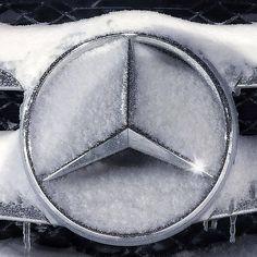 Best classic cars and more! Van Mercedes, Mercedes Benz Models, Mercedes Benz Logo, My Dream Car, Dream Cars, Gottlieb Daimler, Lamborghini Espada, Merc Benz, Truck Design