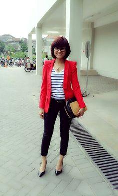 #Zara stripes #red blazer #camel bag #skinny pants #black stiletto