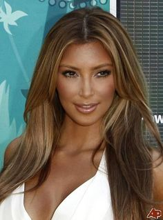 Kim Kardashian blonde hair by Kardashianized, via Flickr