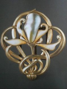 164aeb614938 Edward Colonna, boucle de ceinture, en nacre, émail, métal doré, 1900, 8 x  7 cm, MAD (don Bing 1908)