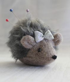 maker*land.: Make a hedgehog pincushion - tutorial