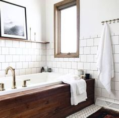 Yeah cedar planks around a bath tub look amazing, but can you imagine how good they SMELL? Home Design, Wooden Bath Panel, Modern Vintage Bathroom, Paneling Makeover, Zen Bathroom, Bathroom Ideas, Family Bathroom, Downstairs Bathroom, Bathroom Inspo