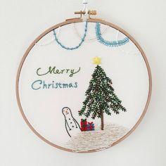 12월 수업은 크리스마스 수틀액자. 깔끔하고 심플하게. All by Nj Han. 창작도안 도용금지 #프랑스자수 #프랑스자수수업 #마포상암자수수업 #크리스마스 #크리스마스트리 #수틀액자 #embroidery #stitch #christmas #christmastree