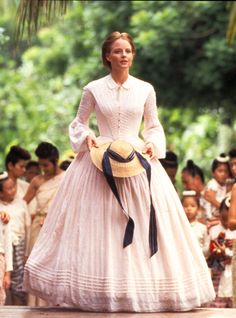 Jody Foster as Anna Leonowens in Anna and the King This dress reminds me of a high class lady very educated which is what Bertha reminds me of. Civil War Fashion, 1800s Fashion, Victorian Fashion, Vintage Fashion, Steampunk Fashion, Old Fashion Dresses, Old Dresses, Vintage Dresses, Vintage Outfits