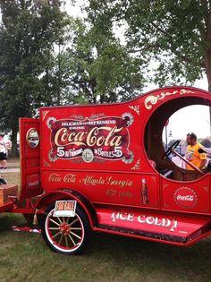 Coca Cola C`cab truck Coca Cola Drink, Coca Cola Ad, Always Coca Cola, World Of Coca Cola, Coca Cola Bottles, Vintage Coke, Vintage Trucks, Old Trucks, Antique Trucks
