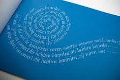 Witruimte-werk van cursisten by yleterme Calligraphy Words, Calligraphy Alphabet, Penmanship, Creative Typography, Typography Design, Beautiful Lettering, Decorated Envelopes, Text Layout, Mail Art