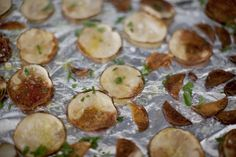 A healthier potato chip? Yes please! Try this quick recipe for baked potato chips instead of a bag of fried chips with your next meal. Make sure to evenly slice your potatoes so that they cook at the same rate. BakedParsleyPotato Chips Recipe 2 russet potatoes, very thinly sliced 1 tablespoon olive oil 1 tablespoon