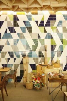 Coletivo MUDA e seus azulejos pela cidade @ArchDaily Brasil. (Arte, Arquitetura ou Urbanismo? hehe)