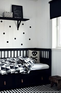 The comfortable children's room ideas for boys and girls 2020 - DIY Kinderzimmer Ideen Trendy Bedroom, Kids Bedroom, Bedroom Decor, White Kids Room, White Boys, Black White, Hemnes Day Bed, Home And Deco, Boy Room