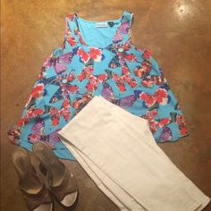 Shirt Light weight, loose fit, sleeveless spring top. Cynthia Rowley Tops Blouses