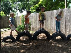 Popular Diy Playground Design Ideas To Make Your Kids Happy - To begin with, there are 2 main issues to be dealt with when building a playground: preparing a safe playground flooring and gathering necessary equip. Kids Outdoor Play, Outdoor Play Areas, Kids Play Area, Backyard For Kids, Outdoor Fun, Natural Outdoor Playground, Tire Playground, Playground Design, Playground Ideas