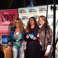 Entrevistas, entrevistas y más entrevistas en la #ShoppingNight de #Barcelona para #HoyOnlineTV y #HoyModaTv