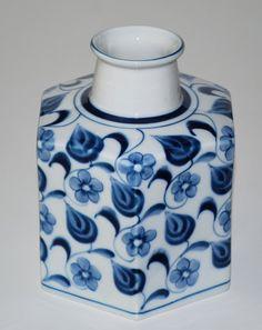 Niels Refsgaard, Vase in porcelain. Knabstrup Denmark.