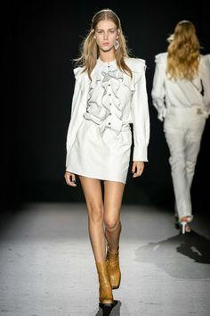 Zadig & Voltaire Spring 2020 Ready-to-Wear Fashion Show - Vogue 2020 Fashion Trends, Fashion 2020, Fashion Brands, Fashion Show, Women's Fashion, Fashion Designers, Paris Fashion, Vogue Paris, Midi Sundress