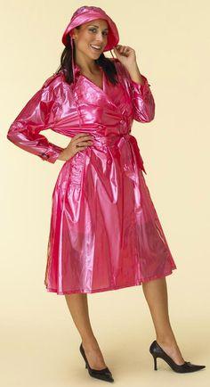 Langer Trenchcoat aus PVC / Long Trenchcoat made in PVC