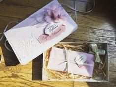 💐Даруйте гарно!💐 #ручнаробота #yuliyasidliar #yusla_handmade #handmade #creativepresent #giftbox #wedding #moneybox #sizzix #paperflowers #ribbon #весільнийподарунок #даруємогроші #паперовіквіти #денежныйподарок #красиваякоробочка