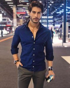 10 best casual shirts for men that look amazing 1 Summer Outfits Men, Outfits Casual, Stylish Mens Outfits, Mode Outfits, Trendy Mens Fashion, Indian Men Fashion, Mens Fashion Wear, Men's Fashion, Mens Fashion Blazer