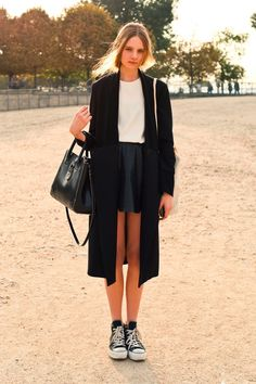 Fall Winter Outfit / Black + White / Converse