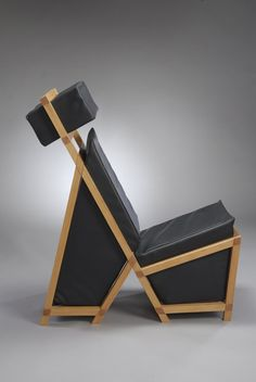 Gem Chair by Brian Dreesman. Addressing and containing negative space Nomadic Furniture, Unique Furniture, Furniture Design, Muebles Art Deco, Love Chair, Chair Bench, Life Design, Modern Rustic Interiors, Cool Chairs