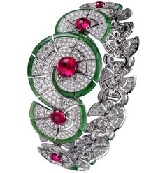 Tendance Bracelets За тридевять земель Tendance & idée Bracelets 2016/2017 Description VOGUE Cartier Royal Bracelet in white gold with diamonds rubies and jade
