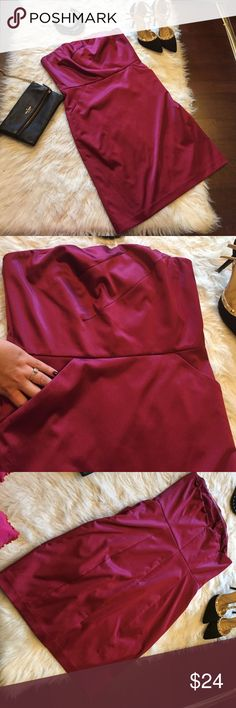 Plum stretch satin cocktail party formal dress Sexy sassy n classy. This is a fun dress to wear to a formal event or cocktail party. Lined, rear zip and has pockets😍! Unfortunately it no longer fits me.  Color is dark pinkish purple. The Limited Dresses Strapless