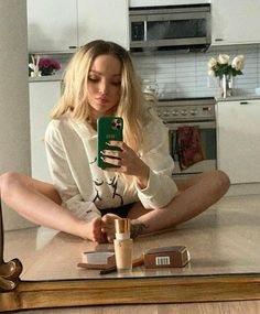 Liv Y Maddie, Dove Cameron Style, Dove Cameron Tattoo, Dove Pictures, Good Credit Score, Cameron Boyce, Celebs, Female Celebrities, Singer