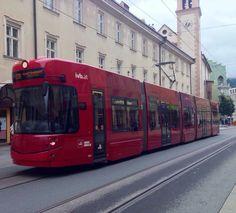 Tramway sourire d'Innsbruck,Autriche...Smiling Innsbruck's Tramway, Austria. Photo G.Taillon.**