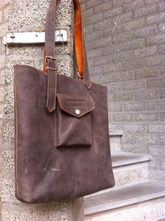 handmade leather bag NOW on SALE from 150 by Beleefjeverbeelding, €120.00