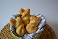 Sweet bunnies made of quark oil dough for Easter - Carl Tode Göttingen - Cute rabbits made from quark oil dough, great for Easter, delicious for breakfast or brunch, easy t - Delicious Breakfast Recipes, Brunch Recipes, Best Italian Recipes, Baking With Kids, Easter Recipes, Food Menu, Food And Drink, Cooking Recipes, Snacks