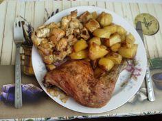 Určitě znáte ten pocit, když v sobotu přemýšlíte, jaký chutný nedělní oběd připravíte. Vyřešili jsme to za vás a sesbírali jsme pro vás 12 skvělých receptů, které jsou ideální na neděli. Pork, Chicken, Meat, Cooking, Author, Kale Stir Fry, Kitchen, Pigs, Cubs