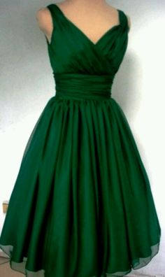 Short, Green, Sweet 16 Dress. (Sweet4Maddi)