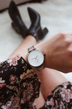 Affordable watches You Didn't Know About ~ Canada Funny, Australia Funny, Affordable Watches, Daniel Wellington, Women's Watches, Fashion Watches, Funny Memes, Accessories, Arm