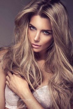 Dirty Blonde Wavy Hair Color