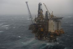 Isn't this a fantastic picture of our new offshore platform Brage in Norway? In bad weather conditions and high waves it must be surley a challenge for our colleagues to work out there.