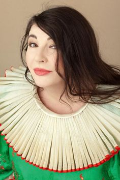 Kate Bush - Embodies music as an art form. Love Love Love her beautiful music! Music Love, New Music, Queen Elizabeth Ii, Record Producer, David Bowie, Music Artists, Interview, Singer, Lady