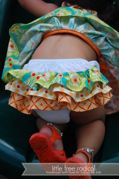 Ruffle Bum Diaper Cover Tutorial using existing diaper cover and adding ruffles because a customer asked if I could make one. Little Doll, My Little Girl, Sewing For Kids, Baby Sewing, Sew Baby, Diy Clothing, Sewing Clothes, Sewing Hacks, Sewing Tutorials