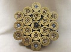 Shotgun shell hulls used to make a beautiful clock - Hometone - Home Automation and Smart Home Guide Bullet Casing Crafts, Bullet Crafts, Shotgun Shell Crafts, Shotgun Shells, Ammo Crafts, Redneck Crafts, Cork Crafts, Bullet Jewelry, Ammo Jewelry