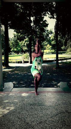 The purpose of these exercise is to get the body and psyche into new - unfamiliar position- so the body and psyche have to adapt - The main focus during any Asana - should be on - calming and stabilizing the psyche !  #sezaicoban #Neuzeit #Einheitsbewusstsein #coaching  #Bewegungstherapeut #Autor #Tänzer  #Wissensvermittler #Menschenverbinder  #Coach  #therapeut #Author #Triggerpunkt  #Yoga  #Qigong  #shiatsu  #qi  #yogaamsee  #friedrichshafen  @bodenseepage #yogateacher