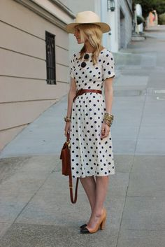 Polka dots are always in dress/ skirt наряды, платья ve одеж Retro Mode, Mode Vintage, Vintage Style, Vintage Fashion, Vintage Vibes, Vintage Inspired, Pretty Outfits, Pretty Dresses, Modest Summer Outfits