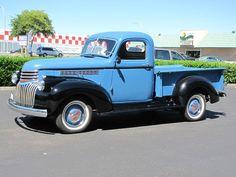 Vintage Pickup Trucks, Antique Trucks, Vintage Cars, 1946 Chevy Truck, Classic Chevy Trucks, Gm Trucks, Cool Trucks, Chevrolet Trucks, Chevrolet Auto