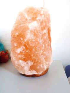 Une lampe qui travaille pour votre bien être… juste grâce à une composante de Sel… ça existe vraiment ? Oui, oui, c'est prouvé, essayé et personnellement validé ! Origine Il faut des millions d'années, pour que notre Mère Nature « façonne » le Cristal ...