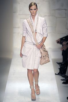 Salvatore Ferragamo Spring 2009 Ready-to-Wear Collection Slideshow on Style.com