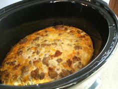 Spicy Paleo: Crock pot Breakfast Casserole - 1 lb chorizo sausage (be sure to check your ingredients) [removed from casings if that's how your sausage came] 1 small onion 12 eggs 1 cup coconut milk 1 small butternut squash oil for greasing the crockpot Paleo Crockpot Recipes, Primal Recipes, Slow Cooker Recipes, Real Food Recipes, Cooking Recipes, Yummy Food, Crockpot Meals, Healthy Recipes, Tasty Meals