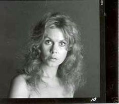 Elizabeth Montgomery played lizzie Borden..and I want to see this movie