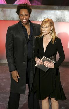 Gary Dourdan Photos - Actor Gary Dourdan (L) and Actress Marg Helgenberger appear on stage at the Annual People's Choice Awards at the Shrine Auditorium on January 2006 in Los Angeles, California. - Annual People's Choice Awards - Show Eric Szmanda, Gary Dourdan, Csi Crime Scene Investigation, Marg Helgenberger, Las Vegas, Les Experts, Old Shows, Famous Couples, First Tv