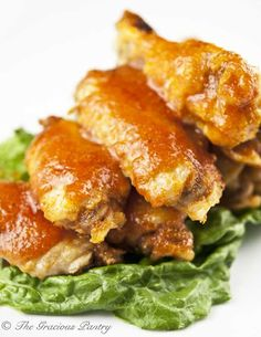Clean Eating Buffalo Wings – great option for tailgating that won't ruin your ea… – Gesundes Abendessen, Vegetarische Rezepte, Vegane Desserts, Chicken Wing Recipes, Healthy Chicken Recipes, Clean Eating Recipes, Healthy Eating, Cooking Recipes, Baked Chicken, Being Healthy, Chicken Meals, Yummy Recipes