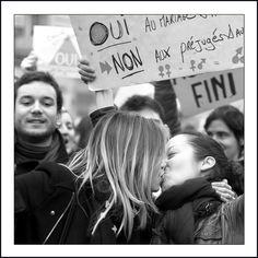 La Politique LA BAISER elle et elle - http://pouvoirpolitique.com/la-baiser-elle-et-elle/